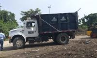 El vehículo de Interaseo que descarga en Palangana es el mismo usado en Zona Bananera.