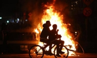 Continúan las manifestaciones en las noches por la muerte de Javier Ordóñez.