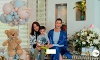 Carolina Cruz en compañía de su madre y su primer hijo.