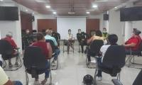 Reunión con los líderes del barrio El Pando