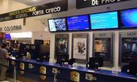 Cine Colombia aplaza reapertura.