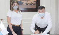 Alcaldesa Virna Johnson posesionó a Ricardo Rago Murillo como secretario de Hacienda