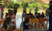 El centro de tareas cuenta actualmente con 15 niños y niñas del barrio La Esmeralda