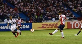Teófilo Gutiérrez remonta el partido y le da el triunfo al Junior.