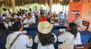 Reunión con las comunidades indígenas