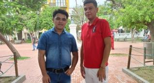 Cristian Marzal y Kainner Baute, estudiantes de décimo semestre de Ingeniería Industrial de la Universidad del Magdalena.