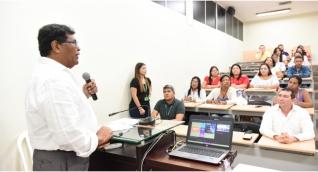 En el marco de esta jornada se realizó la socialización de proyectos de los estudiantes que culminaron con éxito este diplomado en Pedagogía para Profesionales no Licenciados.