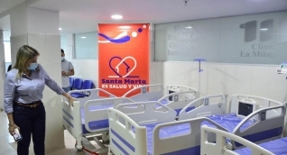 Virna Johnson habilitará camas UCI para que pacientes de Bogotá sean trasladados a Santa Marta.