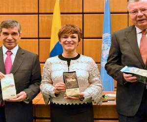 Colombia y Naciones Unidas firman acuerdo que liderará la sustitución de cultivos de coca
