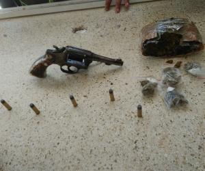 Este fue el revólver incautado a un menor de edad en el sector de San Jorge.