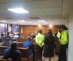Momento en que el juez declaraba la libertad de los funcionarios involucrados.