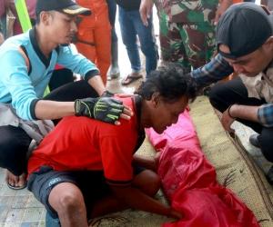 Udin Ahok se refugió en uno de los centros de urgencia que acoge a miles de desplazados de la tragedia.