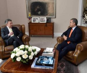 Antes de la reunión en el despacho presidencial, Santos y Duque tuvieron un encuentro privado.