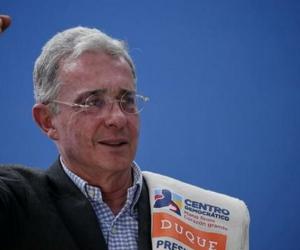 Senador Álvaro Uribe Velez.