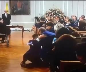 Momento del resbalón del Ministro de Vivienda.