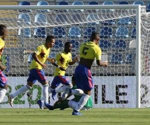 Colombia marcó su primer gol en el Suramericano que le bastó para conseguir su primera victoria.
