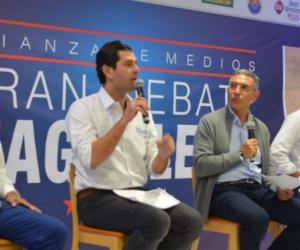 Morelo, Cotes y Torres, junto con el moderador Jorge Cura.