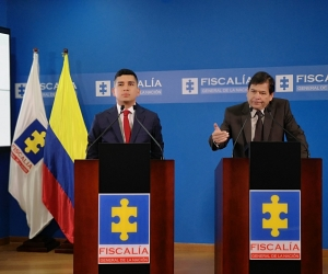 El ministro de Vivienda, Jonathan Malagón y el fiscal General (e) Fabio Espitia Garzón.