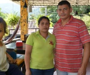 Alit David Sánchez y sus padres Karen Maldonado y Alit Darío Sánchez