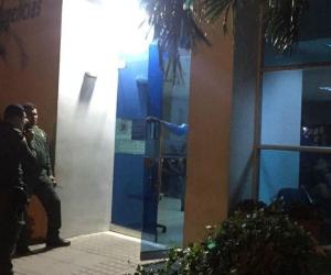 El hombre murió en la clínica Mar Caribe y sigue sin ser identificado.