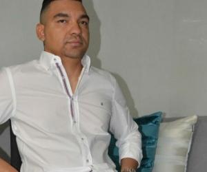 El pasado miércoles en la ciudad de Barranquilla, alias 'La Silla' se entregó a las autoridades para responder por los delitos de extorsión y concierto para delinquir.