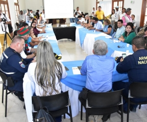 Autoridades reunidas para establecer plan para temporada de vacaciones en la ciudad