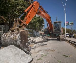 Inician reparación de losas del pavimento en Avenida del Ferrocarril