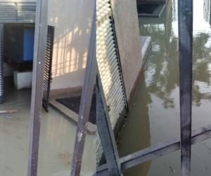 Rebosamiento de aguas residuales en Parques de Bolívar, etapa 2.