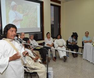El gobernador Kogui, José de los Santos, denunció presencia de grupos armados en su territorio.