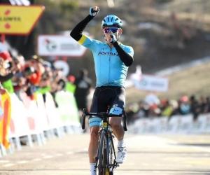 Miguel Ángel López, ciclista colombiano, se impone en La Molina.