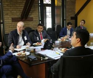 El alcalde encargado Andrés Rugeles se reunión con el ministro de Vivienda, Jonathan Malagón.