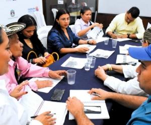 Reunión sobre el proyecto de vivienda gratuita.