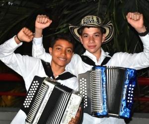 José Villazón y Sergio Moreno, reyes infantil y juvenil del vallenato.