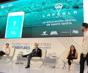 Erick Navarro presentando 'La Perla App'