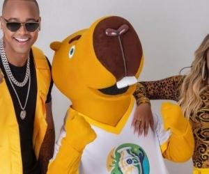 Karol G y Leo Santana
