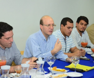 El alcalde (e) de Santa Marta, Andrés Rugeles, renovó casi la totalidad del gabinete.