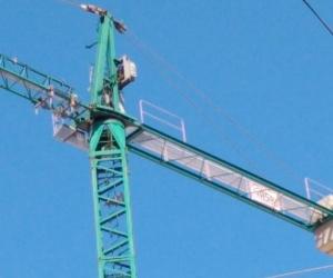 Grúa de construcción en Galicia.