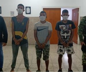Presuntos secuestradores que fueron capturados.