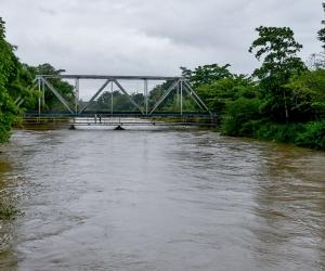 Imagen reciente del río Fundación crecido.
