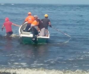Desde la noche del viernes y todo el día de este sábado, la Defensa Civil del Magdalena con la colaboración de la Armada Nacional y la alcaldía de Puebloviejo, trabajan en la búsqueda.