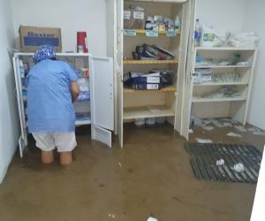 El puesto de salud en Guachaca también se inundó.
