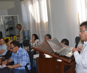 El director del Inred, Édgar Martínez, acudió a la citación del Concejo.