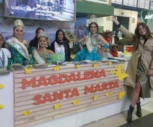 Taliana Vargas en el stand de Magdalena y Santa Marta.
