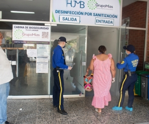 La cápsula aséptica fue instalada en el hospital Julio Méndez Barreneche.