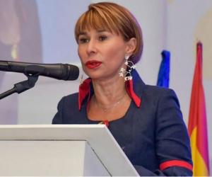 Alicia Arango, Ministra del Interior.