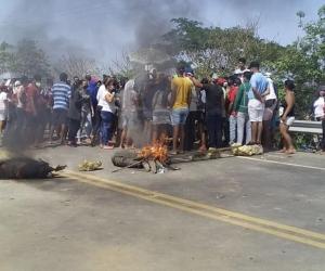 Protestas en Sitionuevo, Magdalena, en la mañana de este viernes.