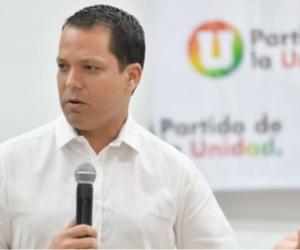 Luis Alberto Monsalvo.
