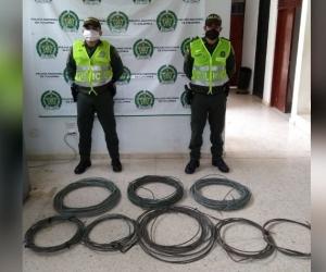 Cables recuperados por las autoridades en Cerro de San Antonio.