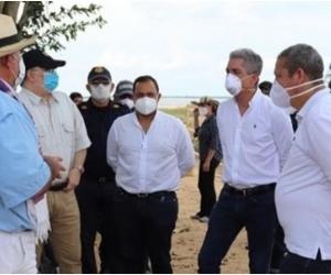 Los congresistas visitaron el 12 de este mes el punto crítico donde se presenta la erosión.