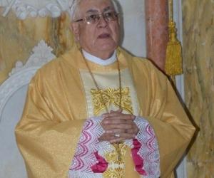 Monseñor Luis Adriano Piedrahita permanece en UCI, en la clínica Avidanti.